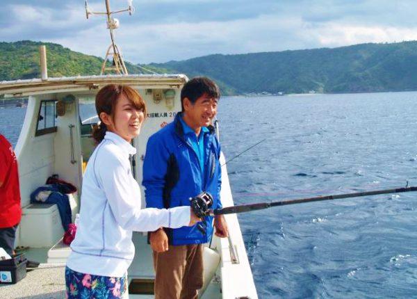 船で行くクルージング+釣っておいしい!フィッシングツアー(゜))<<